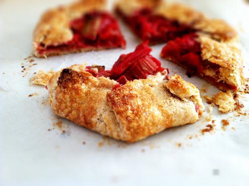 raspberry-rhubarb-crostata