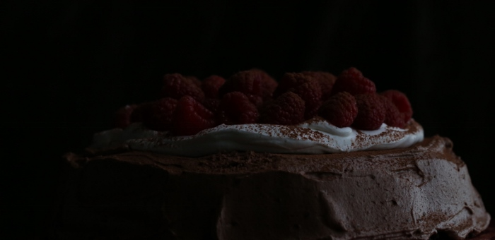 Flourless Chocolate Cake with Chocolate Ganache and Raspberries (700x340)